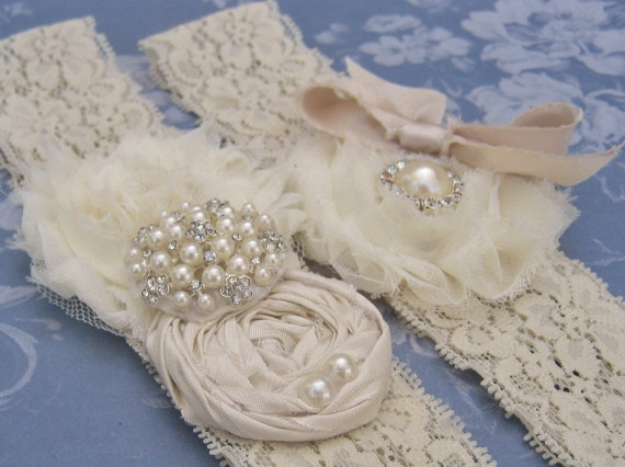 Свадьба - Vintage Bridal Garter Wedding Garter Set Toss Garter included  Ivory with Rhinestones and Pearls  Custom Wedding colors