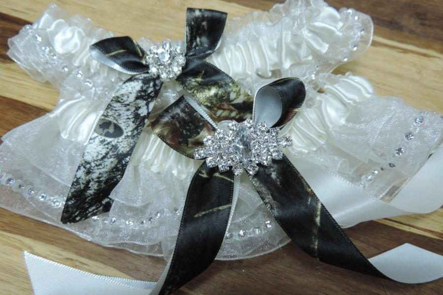 Свадьба - Mossy Oak Wedding Garter Set in Ivory Organza and a rhinestone edge,  Mossy Oak Garters