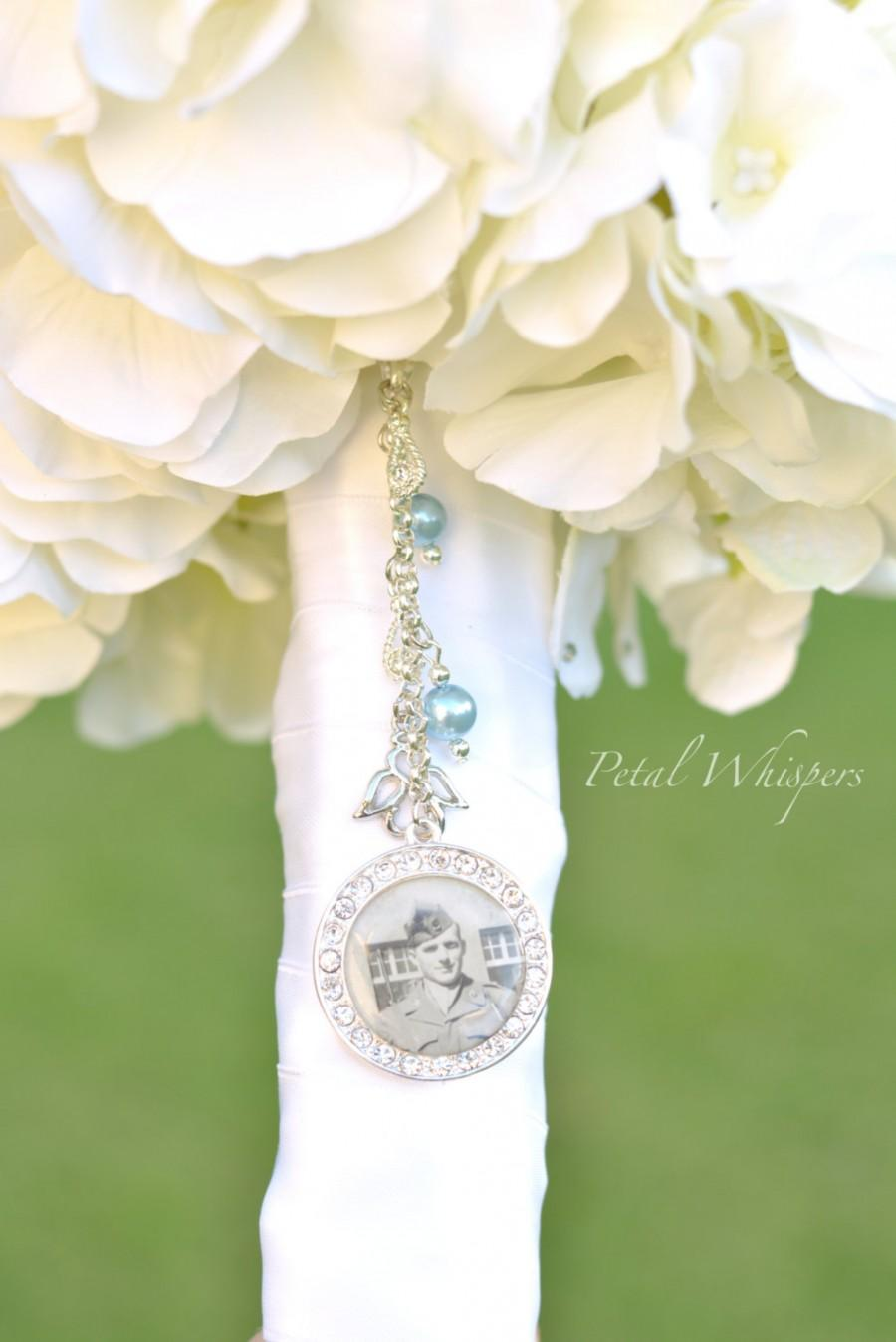 Свадьба - Bouquet Charm - Wedding Memorial Charm - Bridal Accessories - Bouquet Pendant - Bridal Gift - Something Blue - Bridal Bouquet Photo Keepsake