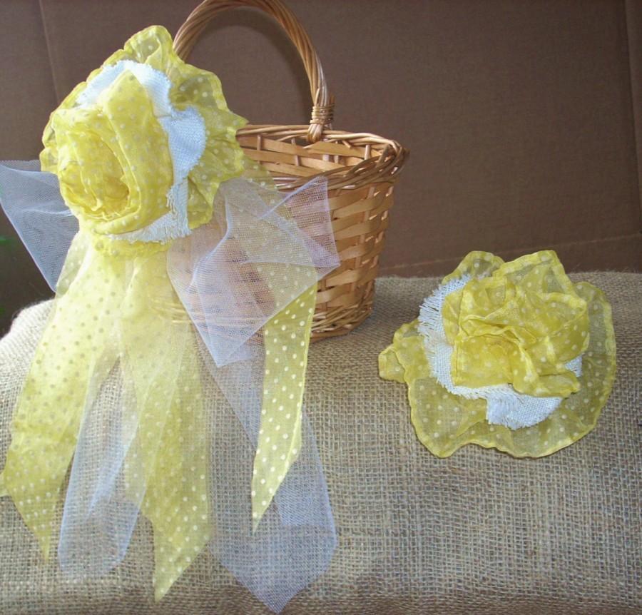 Mariage - FLOWER GIRL BASKET, Yellow, Flower Fascinator Set,  Shabby Chic Flower Girl Basket, Garden Wedding, Beach Wedding, Rustic Wedding