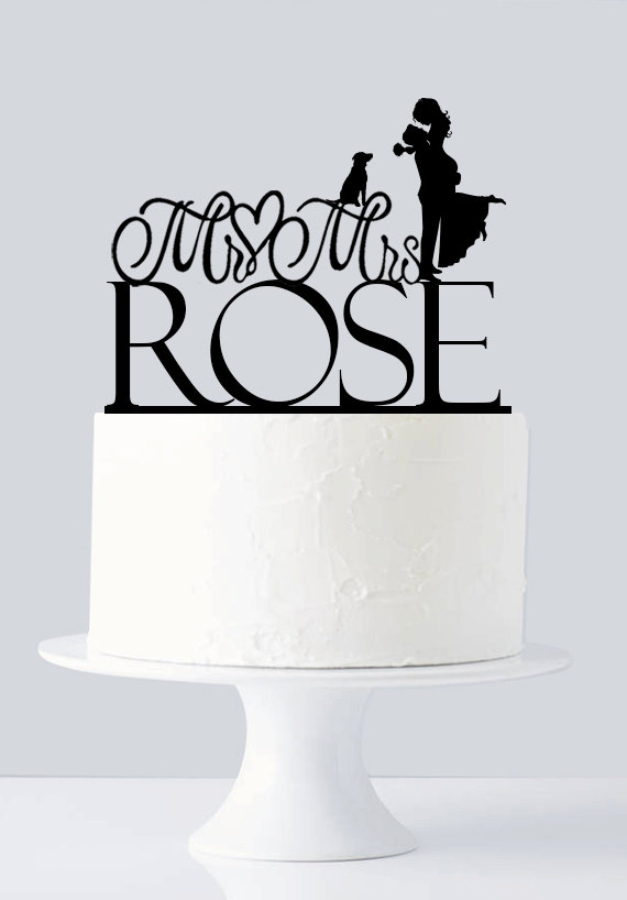 Mariage - Custom Wedding Cake Topper - Bride and Groom - Custom last Name - Mr and Mrs - Acrylic Cake Topper with Dog A942