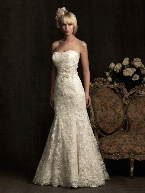 Hochzeit - Allure Bridals: Style: 8917