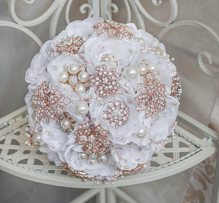 Свадьба - Rose Gold and White wedding brooch bouquet, broach bouquet Jeweled Bouquet. Quinceanera keepsake bouquet