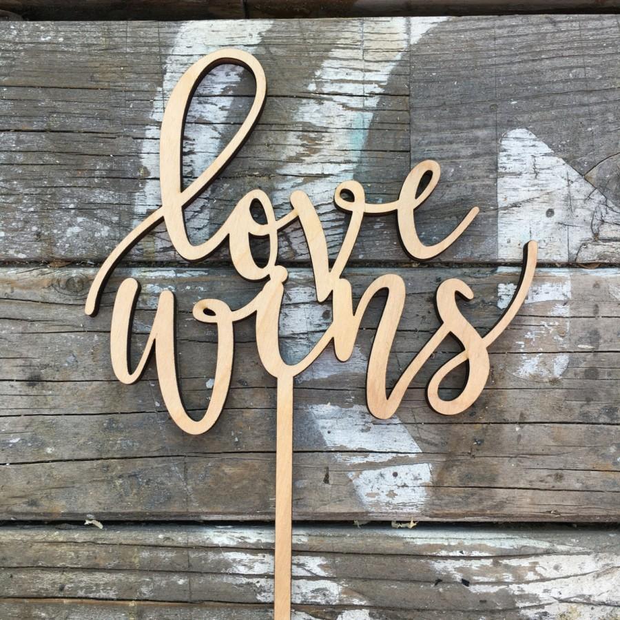 "Свадьба - Love Wins Wedding Cake Topper 6"" inches"