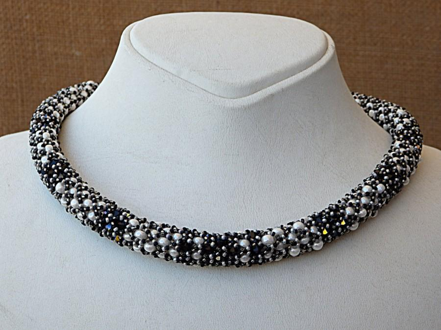 Mariage - Beaded swarovski necklace. Black and white necklace. bead work jewelry.Whith pearl necklace. Evening necklace. Cocktail necklace. Wife