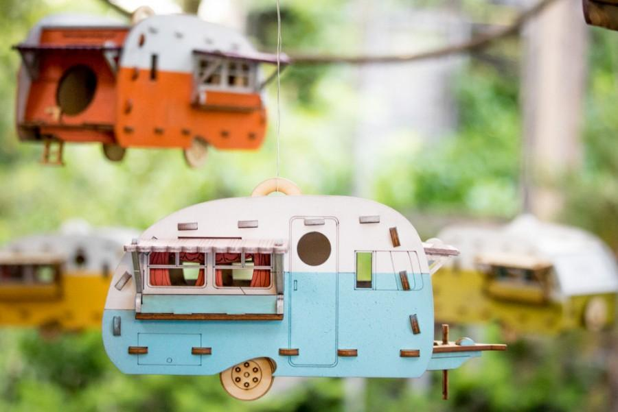 Свадьба - Vintage Camper Bird House. Scale model playset you can build and use! Bring back the love of travel and camping with a miniature trailer