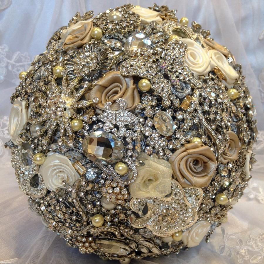 Свадьба - FULL PRICE! SALE! Ready to ship! Champagne Gatsby Crystal Pearl Wedding Brooch Bouquet. Vintage Old Hollywood Wedding Flower Jewelry bouquet