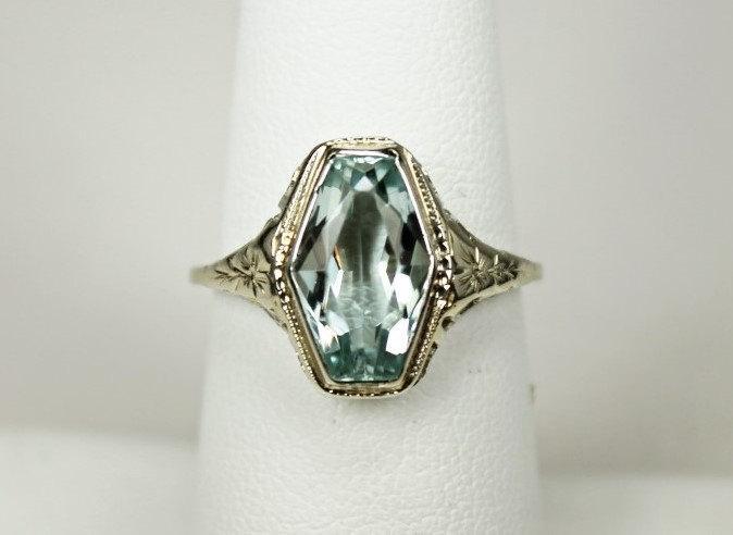 Mariage - Antique Estate Art Deco Era Ladies Ring 18K White Gold Raised Filigree Hexagon Setting 4 Carats Aquamarine Sz 7.25 c1930s