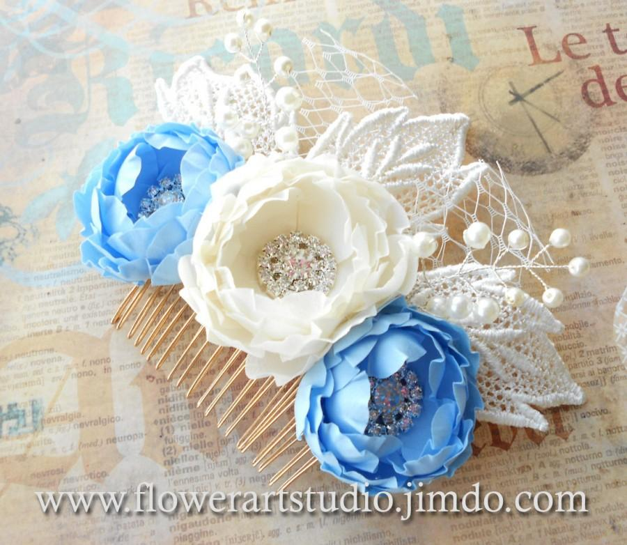 Mariage - Pearl and Flower Bridal Comb, Ivory and Blue Bridal Hair Flower, Bridal Hair Accessories, Lace Bridal Headpiece, Feminine Flower Comb.