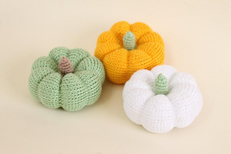 Amigurumi Vegetables : Crochet pumpkins crochet amigurumi crochet vegetable autumn