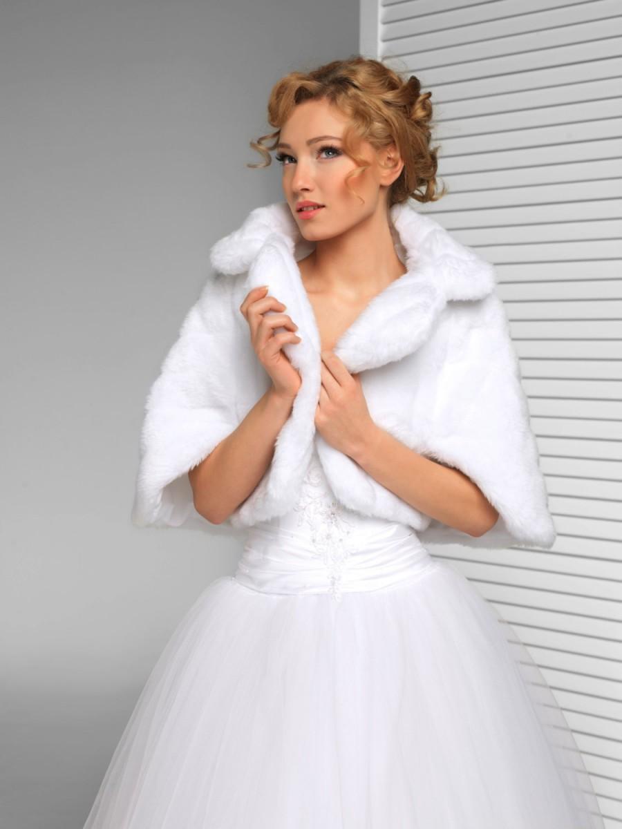 Mariage - Faux Fur Shawl, Bridal Faux Fur Wrap, Bridal Fur Stole, Evening Wrap in White, Ivory, Black