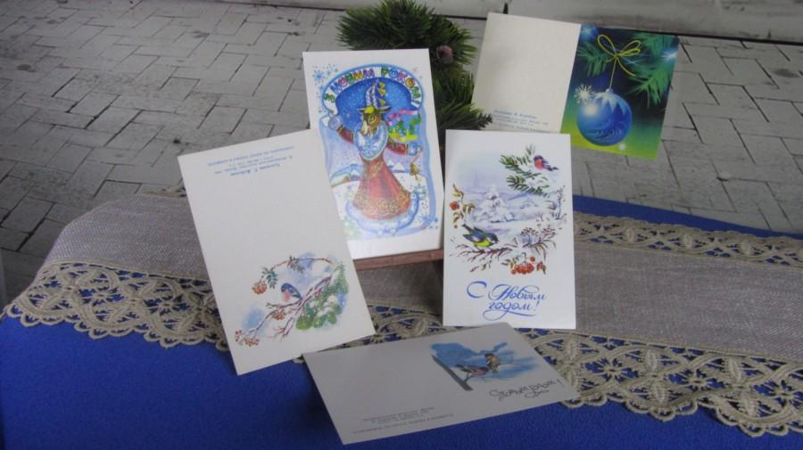 Hochzeit - Set of 5 Awesome Greating Christmas Post Cards With Birds and Winter Ornaments, Never Been Used NEW Vintage USSR Folded in Half Post Cards