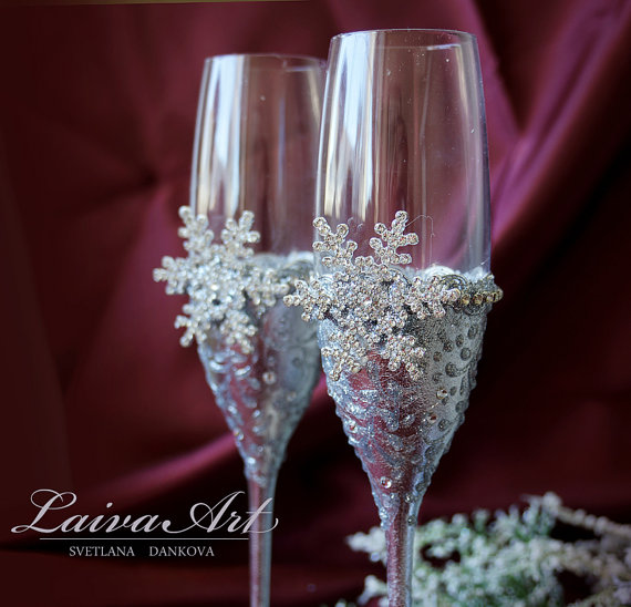 Mariage - Snowflake Wedding Champagne Glasses Winter Wedding Christmas Wedding Holiday Wedding Champagne Flutes