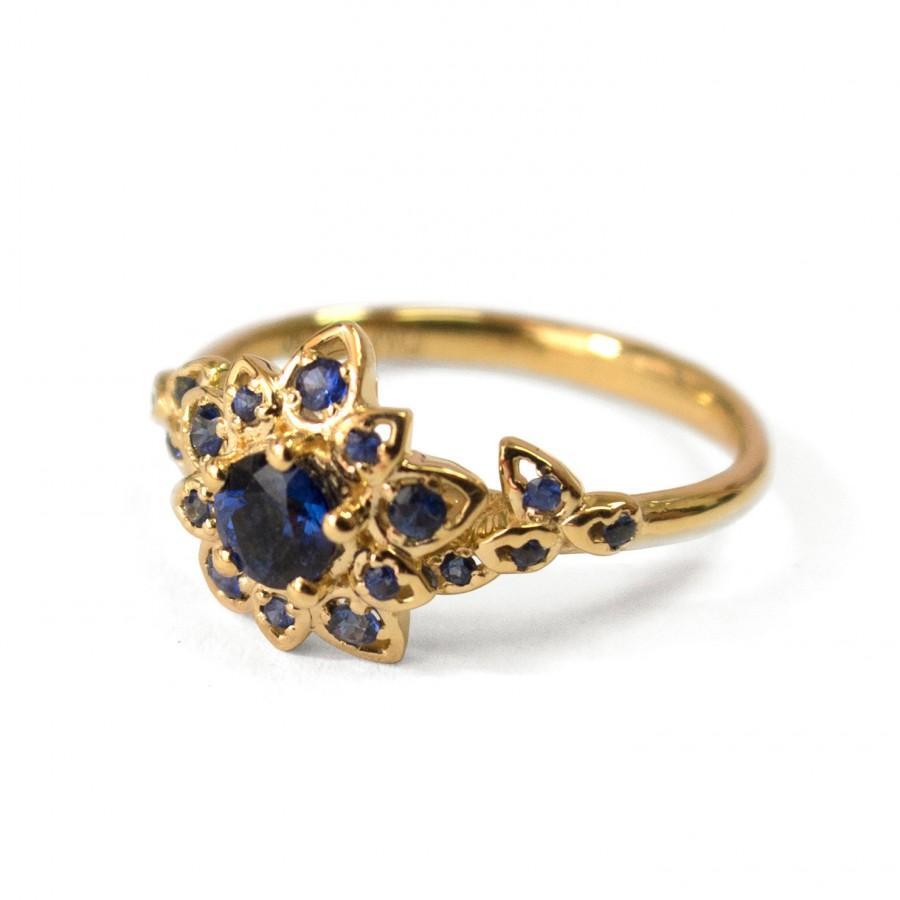 Hochzeit - Sapphire Petal Engagement Ring - 18K Yellow Gold and Sapphire engagement ring, leaf ring, flower ring, vintage ring, halo ring, diana, 2B