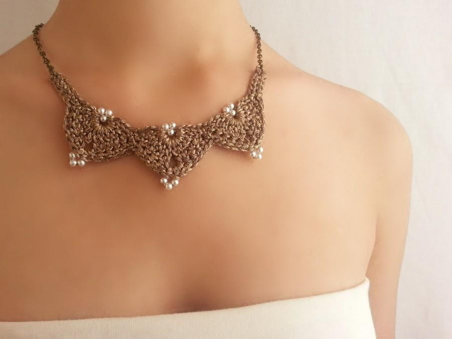 Mariage - Wedding necklace Bridal jewelry Gold pearl necklace Crochet choker