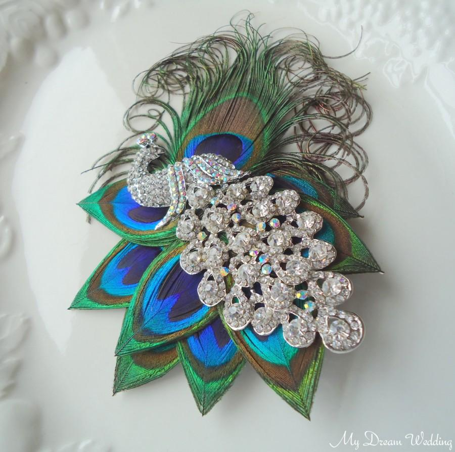 Mariage - Peacock bridal headpiece. Wedding Peacock fascinator Hair Clip. Bridesmaid Hairpiece, Clear AB peacock crystal brooch or turquoise. -Lory-02