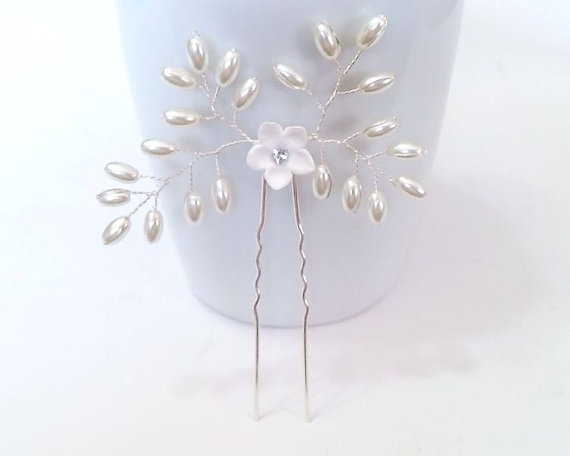 Hochzeit - White Pearls hair, Bridal hair accessories, Bridal hair piece, Bridal hair pin, Bridal hair accessories Swarovski Pearls