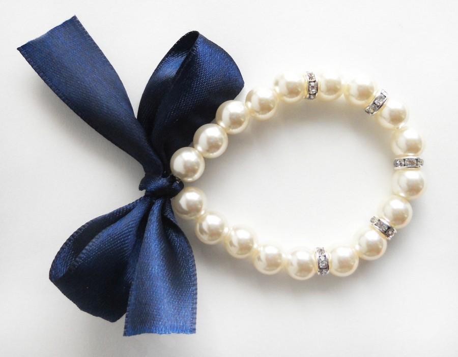 زفاف - Pearl bracelet, navy blue, flower girl bracelet, bridesmaid bracelet, junior bridesmaid, navy blue wedding, bridal party gift