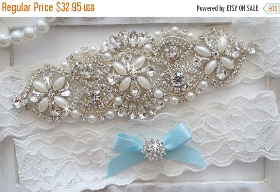 Свадьба - 15% Sale Wedding Garter Set, Bridal Garter Set, Vintage Wedding, Pearl Garter, Something Blue - Style 750