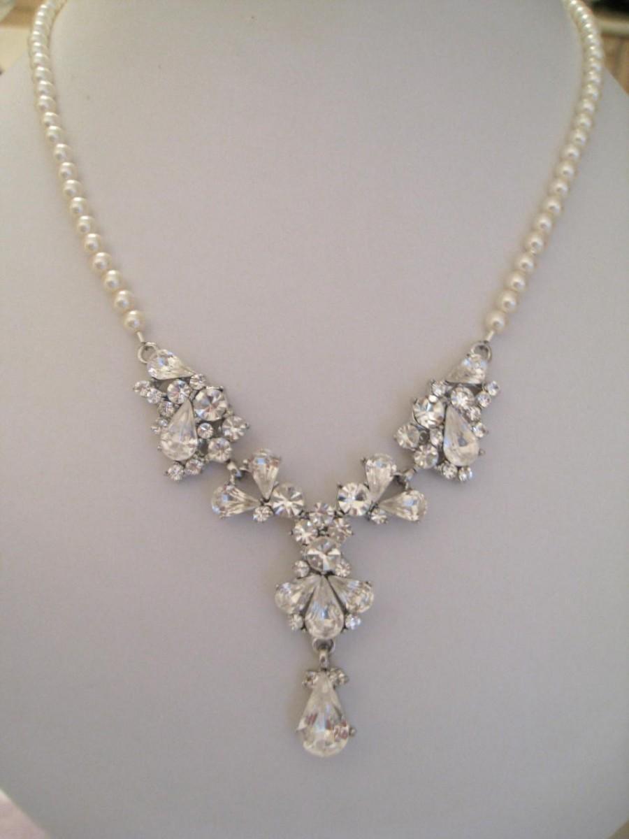 Hochzeit - Bride Bridesmaids Rhinestone Center with pearl necklace Bridal Jewelry Set Glory - matching earrings Bridal Jewelry Bridal Accessories