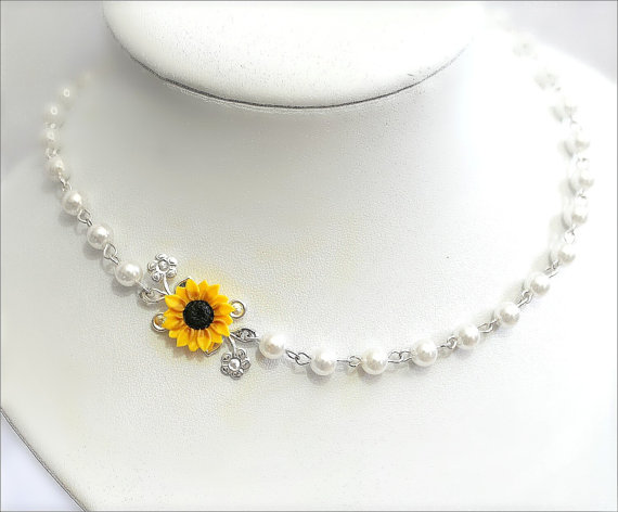 Düğün - Sunflower Necklace,Bridal Sunflower,Bridesmaid Jewelry,For Her,Wedding White pearl,Yellow Sunflower, Bridesmaid Necklace,Bride Flower