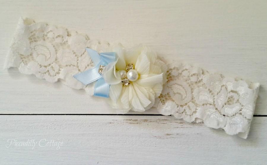 Свадьба - Ivory Wedding Garter, Light Blue Bridal Garter, Keepsake Garter, Stretch Lace Garter, Light Blue Bow, Lace Garter, Garter