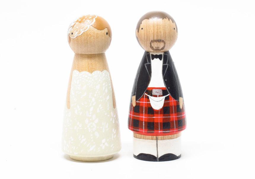 Свадьба - Scottish Wedding Cake toppers Scottish Wooden Peg Doll Goose Grease with Kilt- wooden dolls