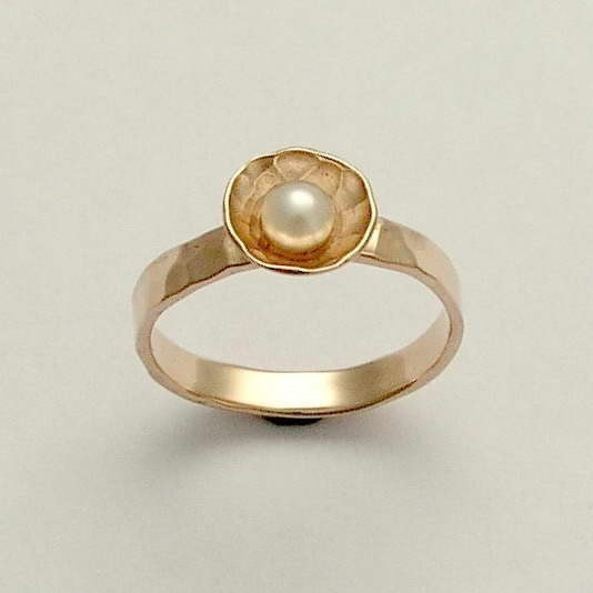 Hochzeit - 14K gold ring, white gold ring, engagement ring, pearl bowl ring, fresh water pearl ring, hammered ring, two-tone ring - Pure and innocent.