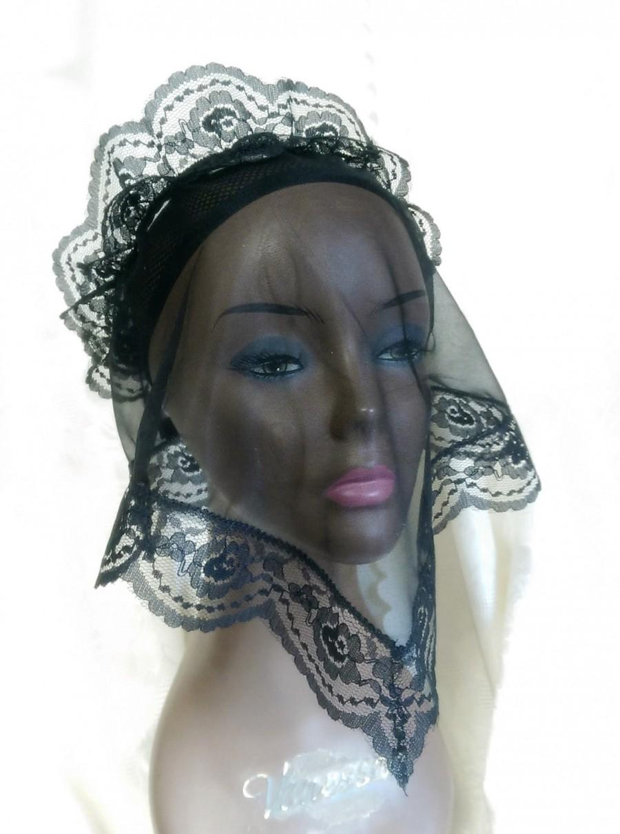 Свадьба - Funeral Veil, Chapel Head Covering, Gothic Wedding, Sheer Black Nylon and Lace Accessory