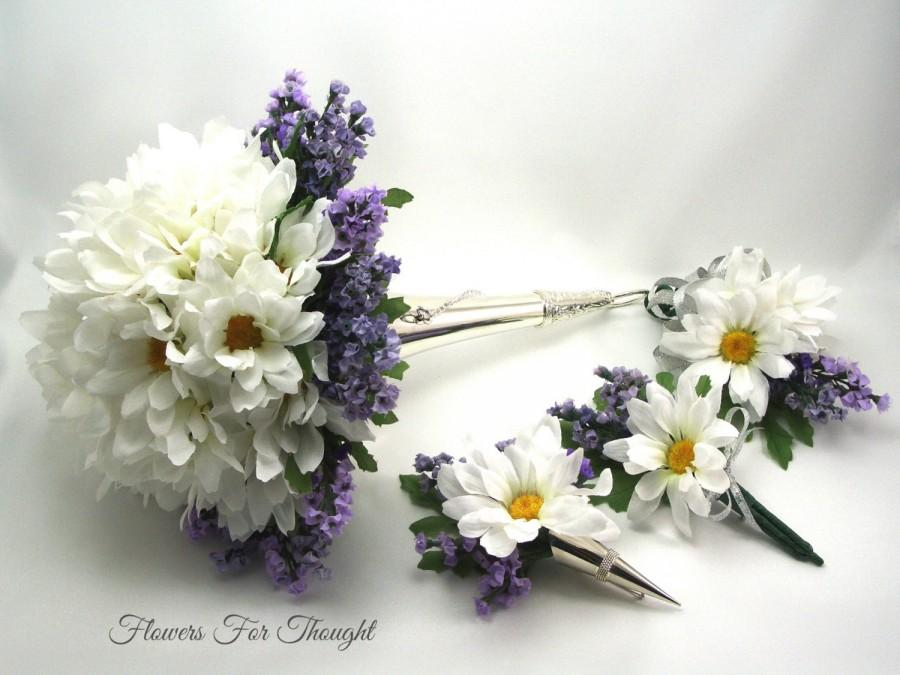 Mariage - Daisies and Lavender Bridal Package, White and Purple Wedding Flowers, Bride and Groom Florals