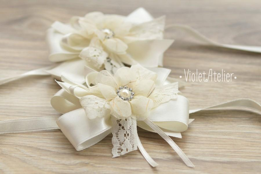 wrist flower corsages, lace ribbon wedding corsage, bridesmaids, Natural flower
