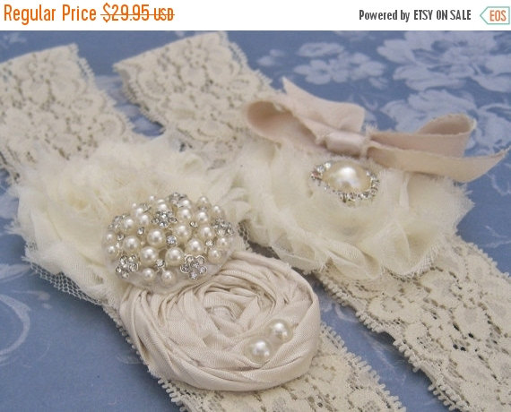 Свадьба - FALL SALE Vintage Bridal Garter, Wedding Garter Set, Lace Garter, Toss Garter included  Ivory with Rhinestones and Pearls  Custom Wedding co