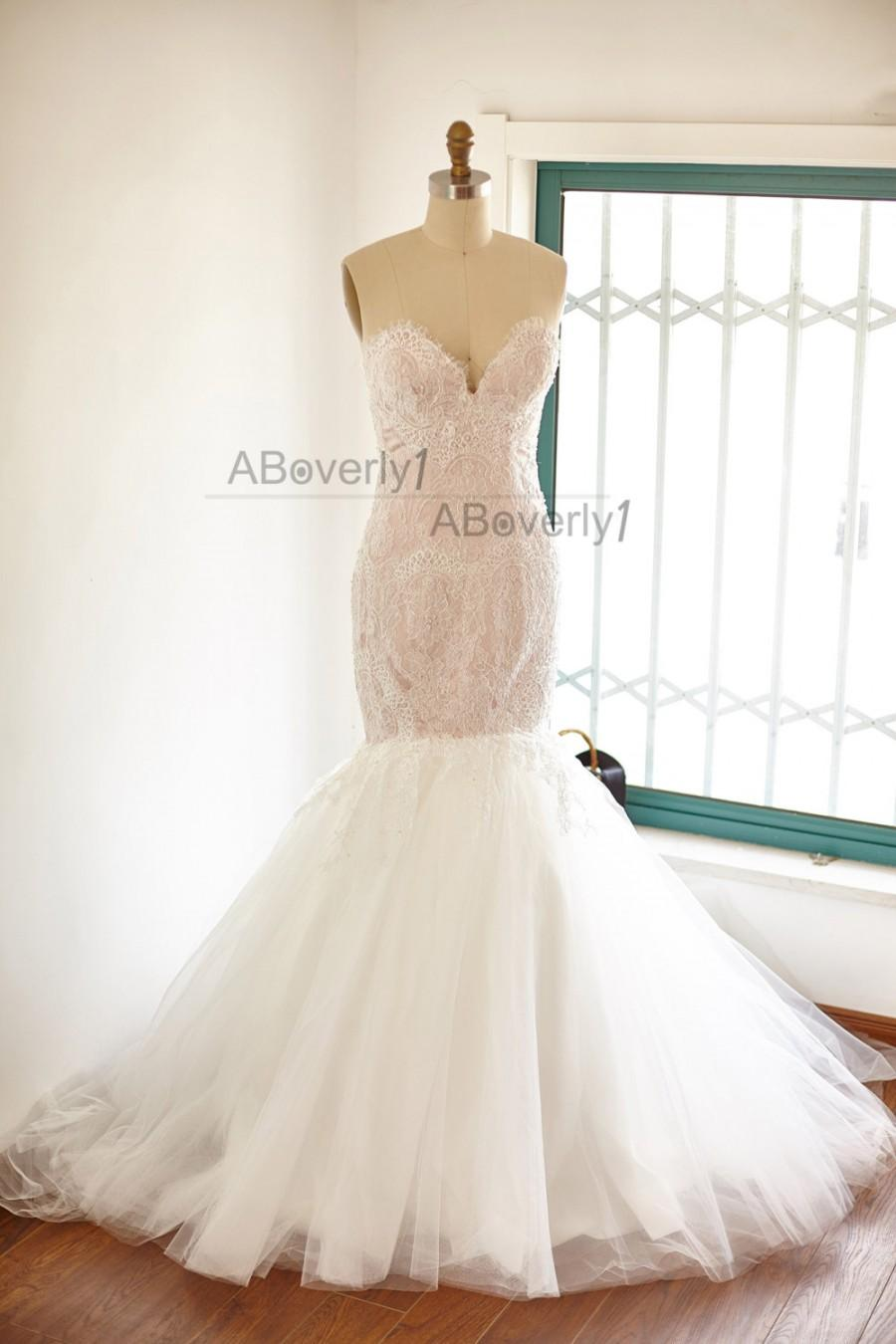 Mariage - Beaded Mermaid Lace Tulle Wedding Dress Bridal Gown Blush Pink Lining with Sweetheart Neckline/Long Train