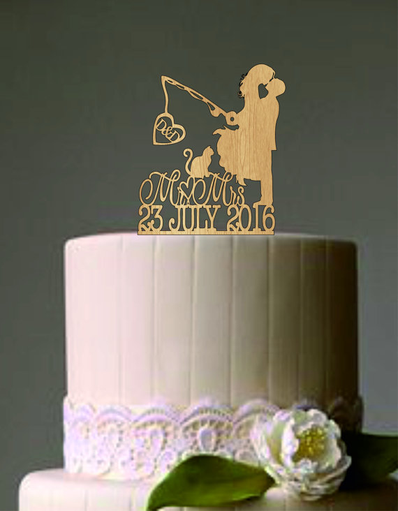 Свадьба - Custom Personalized Wedding Cake Topper, Hooked on Love 2 with personalized Initials   Mr & Mrs Cake topper, Rustic Wedding cake topper