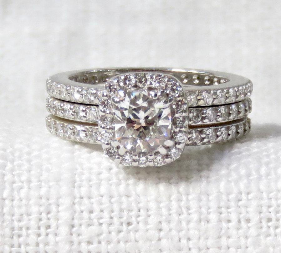 Mariage - Stunning Diamond Halo Engagement Ring and Wedding Band Set 18k Gold 1.54 Carats GIA Certificate and Appraisal