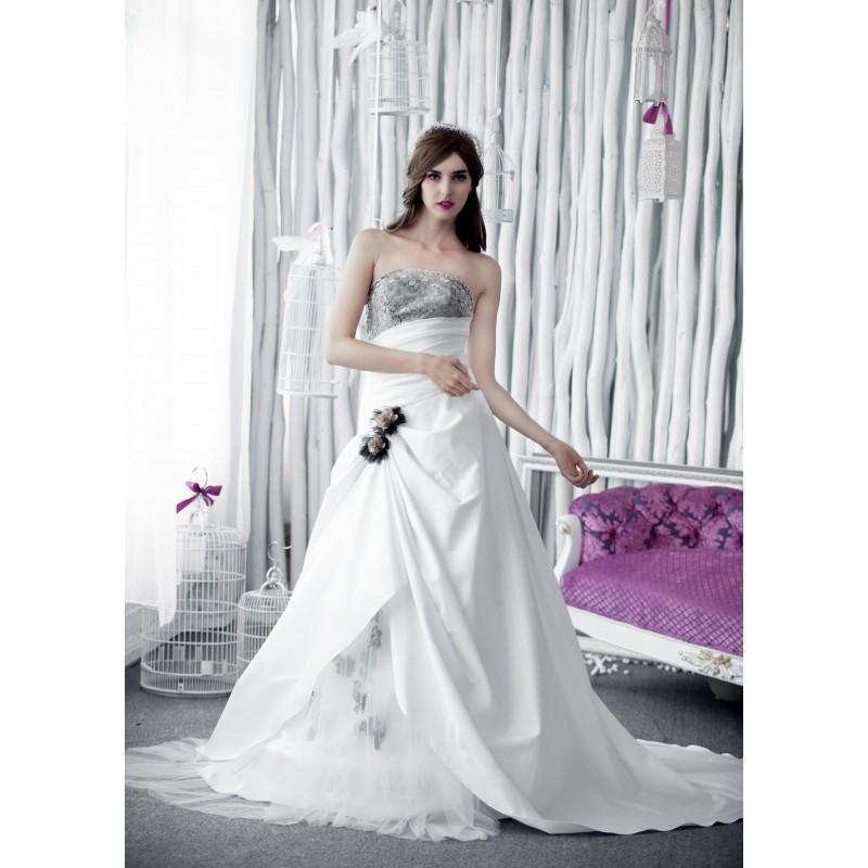 Hochzeit - W6118 PAULA  (White Dress) - toutrobes.fr