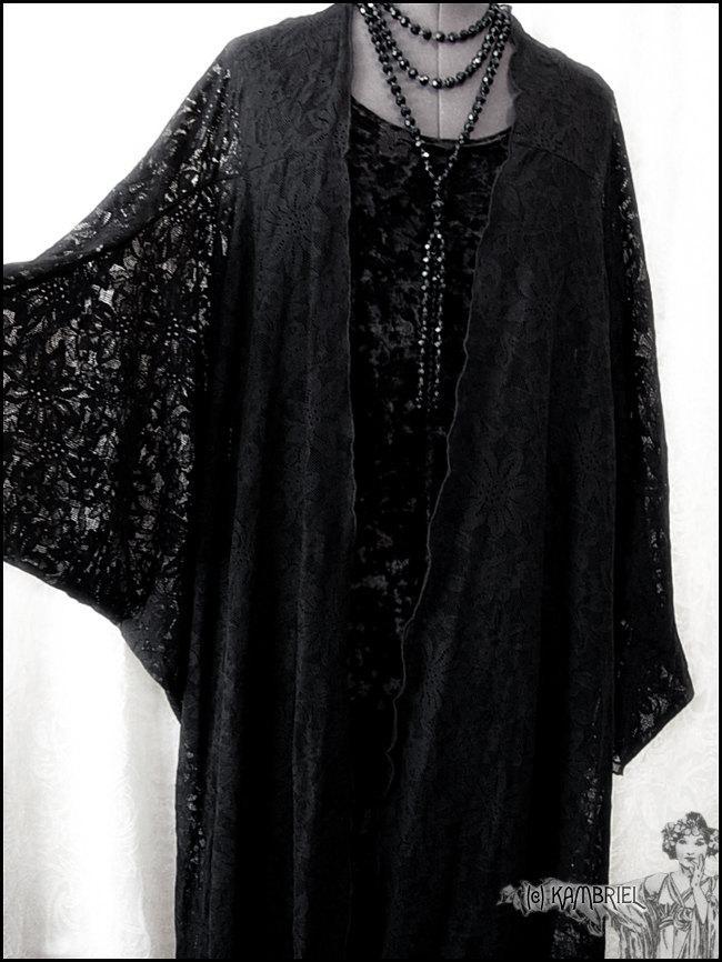 Свадьба - Decadent Art Deco Black Lace Batwing Kimono Robe by Kambriel - Brand New & Ready to Ship!