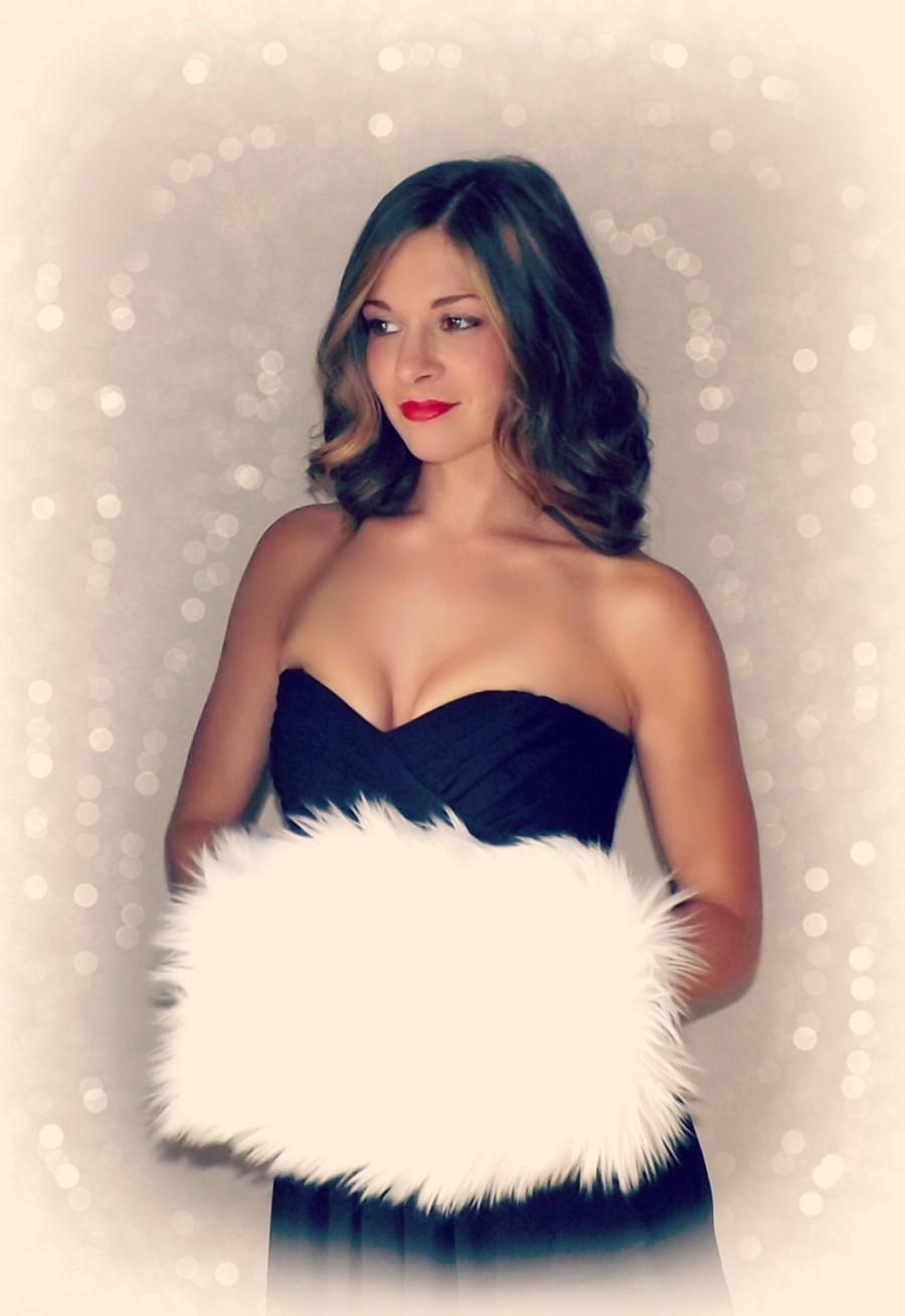 Свадьба - Handmuff Classic Snow Ivory Faux Fur Hand Muff - Winter Christmas Wedding Satin Lined Hand warmer