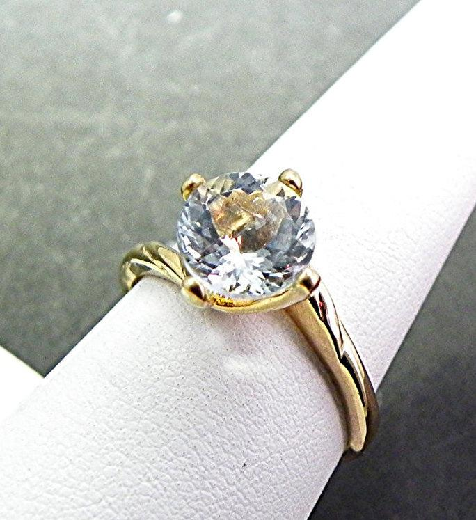 Свадьба - AAA 8mm Aquamarine 1.71cts  Round Natural Untreated 14K Yellow gold engagement ring. m