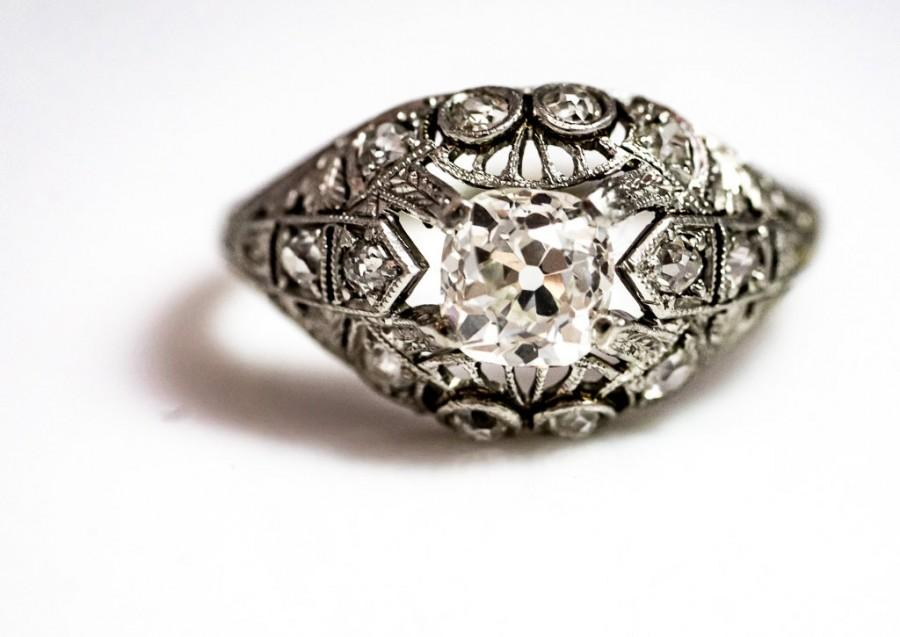 Mariage - Stunning Platinum And 18k Gold Antique Engagement Ring.  Art Deco Engagement Ring.