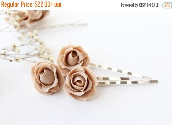 Hochzeit - SALE Rose hair pins set of 3, bridal hair flowers, Beige hair clips, champagne wedding, rose flower hair clips, neutral, ivory, cream