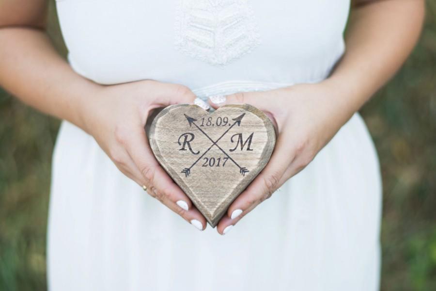 زفاف - Rustic Wedding Ring box Ring bearer Moss Wooden Ring Box Ring Holder Country Wedding Decor Rustic Ring holder pillow Moss Heart