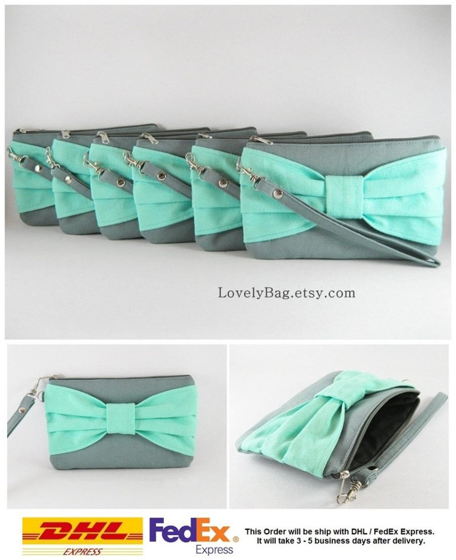 Hochzeit - SUPER SALE - Set of 7 Gray with Mint Bow Clutches - Personalized Monogram Zipper Pull, Bridal Clutches, Bridesmaid Wristlet - Made To Order