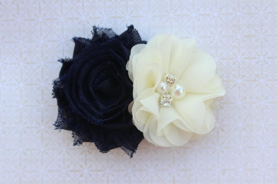 Свадьба - Navy blue flower girl hair clip navy blue and ivory flower girl bow navy blue wedding ivory hair clip toddler navy blue hair bow navy blue