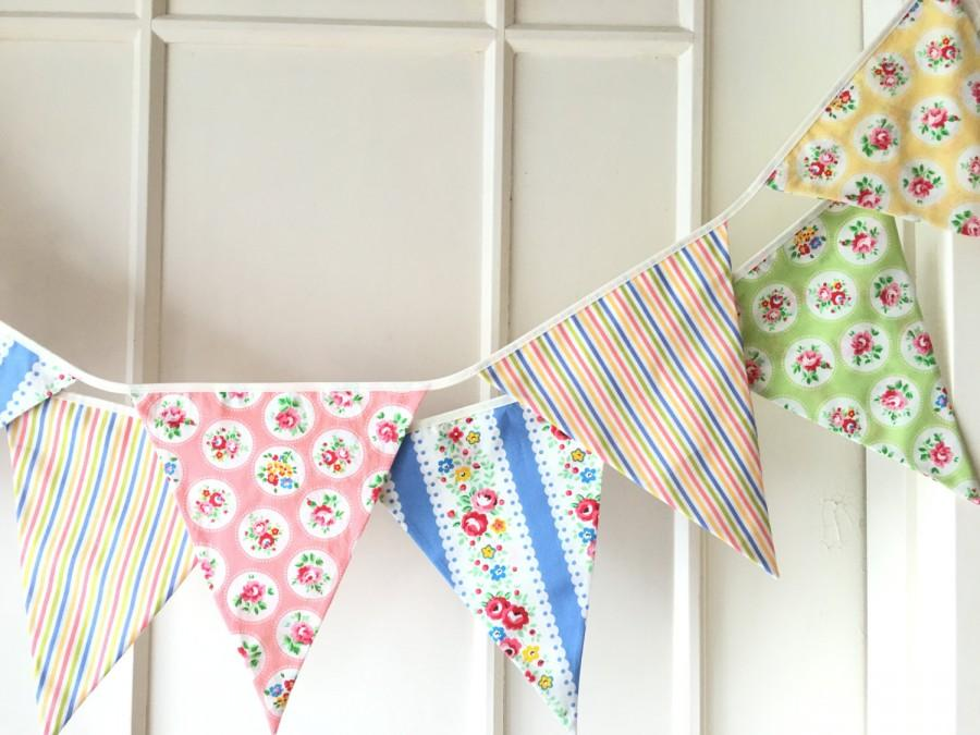 Свадьба - Summer Shabby Chic Fabric Banners, Bunting, Garland, Wedding Bunting, Pennants, Flags - 3 yards