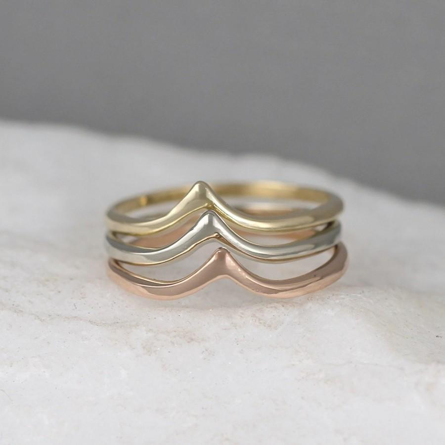 Свадьба - 14K Gold Chevron V Ring  - Yellow White or Rose Gold - Wedding Band - Stacking Ring - Minimalist Ring - Geometric Shape - Made in Canada