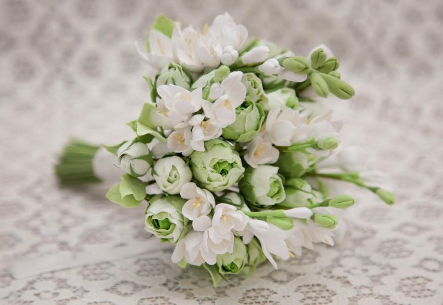 Свадьба - Whine and green Handmade Rose and freesia wedding Bouquet/ Bridal bouquet