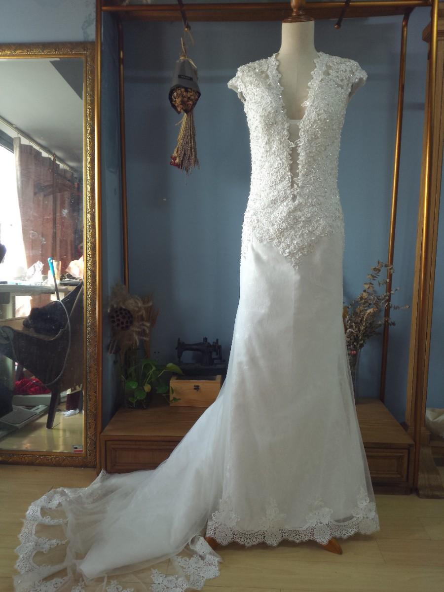 Buy pluning neck fit to flare wedding for Where to buy red wedding dress