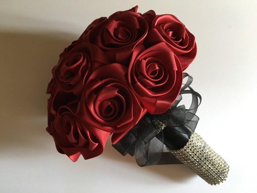 Düğün - Beautifully keepsake custom bouquet for your bridesmaids in red satain