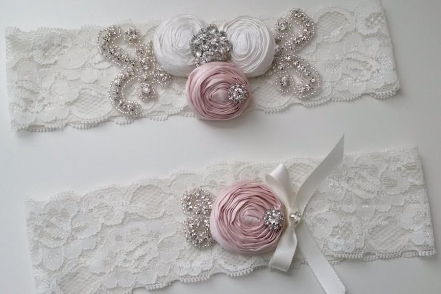 Свадьба - Wedding Rhinestone Garter Set Keepsake, Garter Set with Handmade Rosettes, Garter BABY PINK/Light Ivory